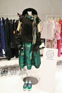 華裔設計師DANIEL WONG同名品牌首次到日本參展,介紹最新一季的服裝「漫遊」系列