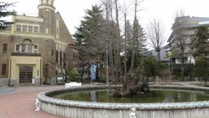 片倉館的建物噴水池都是國家指定重要文化財