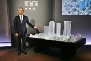 森大廈株式會社社長辻慎吾親自面對日本國內外媒體,介紹虎之門地區新開發計畫