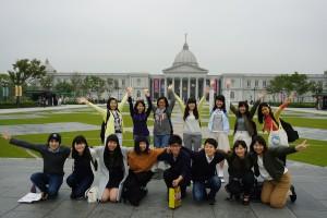 日台スカラシップ受賞学生15人は台湾研修旅行で台湾への理解を深めた。(写真は台南の奇美博物館)