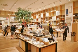 史努比博物館館內的周邊商店販售超過500項商品(©Peanuts)