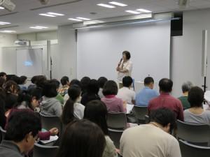 トークショーを担当した映画コーディネーター、ライターで「アジアンパラダイス」主宰の江口洋子さん(C)アジアンパラダイス