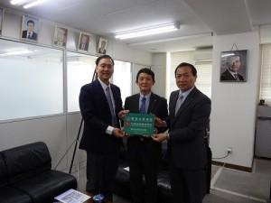 橫濱中華學院成為中信金融管理學院培育國際金融家的教育聯盟夥伴(圖中為橫濱華僑總會會長羅鴻健)