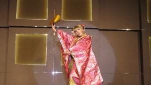 男扮女裝日本舞表演