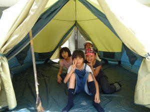 第一次在學校露營同學們都相當興奮