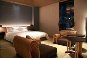 房間也充滿日式風格,強調日本文化