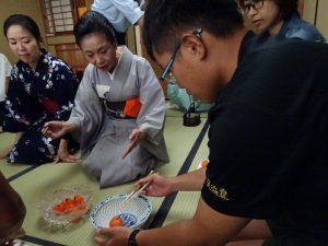 浜田宗富老師指導茶道禮儀