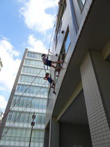 暑期探索體驗營的重頭戲『垂吊』