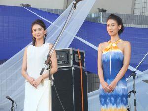 応援隊長を務めた舞川と大久保麻梨子さんが開会式に華を添えた