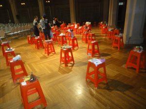 紅椅頭を用いた展示コーナー