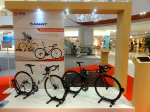 「GIANT」(巨大機械工業股份有限公司)のロードバイク
