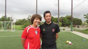 LS教練陳欣怡〈左〉與BARDRAL代表塩谷竜生合影