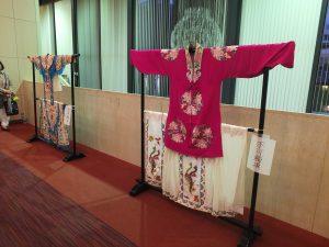 会場には台湾オペラの衣装も展示された