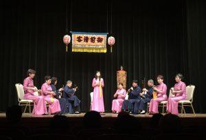 台南市南聲社の演奏。楽譜は使用せず、全て暗記している