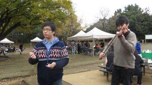 華僑小朋友表演魔術跟小提琴 毫不怯場