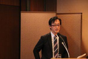 記者野嶋剛介紹台灣自行車產業的成長