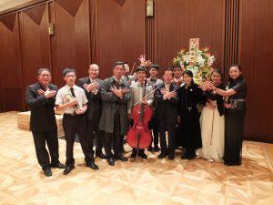 台北駐日経済文化代表処の謝長廷代表も来賓として出席した(右)