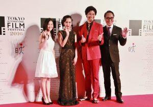 由青木崇高(右2)主演的日片《雪女》入圍此屆影展競賽片