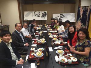2016年6月駐大阪辦事處僑務組長黃水益(左2)、係長蔡元良出席理監事會議