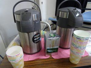 會場準備了台灣凍頂烏龍茶