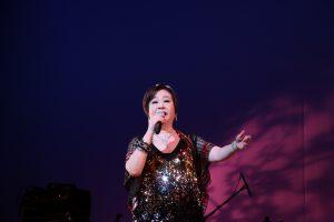 文香和文夏一同帶來經典歌曲