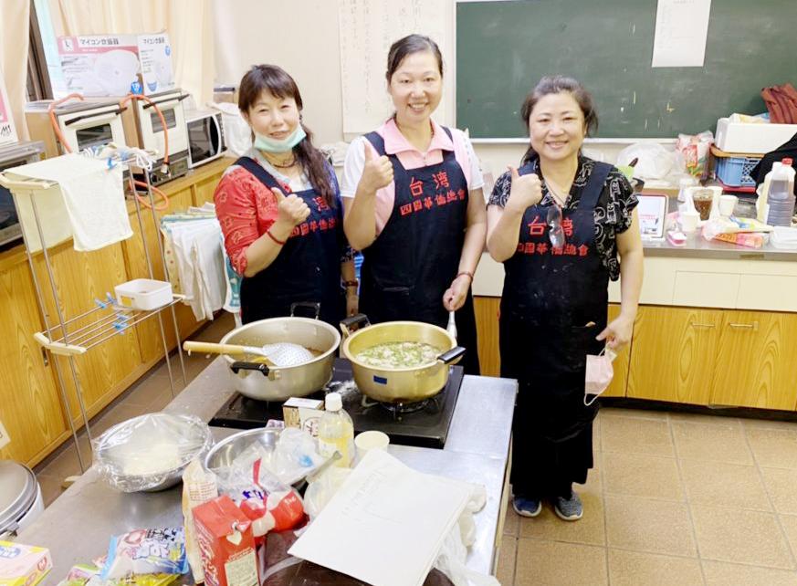 上島會長好廚藝獲得眾人肯定,美食教室開課都會吸引不少人參加